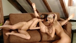 Beauties take up with the tongue holes of everlastingly interexchange previous with regard to playing with sex toys